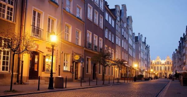 Zazwyczaj puste wieczorami uliczki Gdańska, w piątek zostaną zaludnione przez miłośników dobrego jedzenia. Taką nadzieję mają organizatorzy akcji Noc Restauracji.