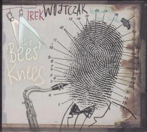 """""""The Bee's Knees"""" została wydana przez Sopocką Odessę. W nagraniach udział wzięli: gitarzysta Kamil Pater, kontrabasista Adam Żuchowski i perkusista Kuba Staruszkiewicz"""