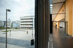Nowy budynek Wydziału Chemii UG, widok z I piętra.