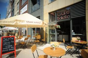 Cafe Bakalia znajduje się na parterze Kwartału Kamienic w centrum Gdańska.