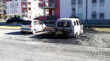Auta spalone na osiedlu Nowy Horyzont.