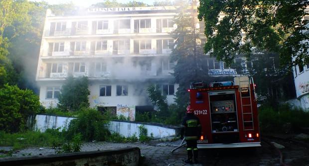 Pożar strażacy gasili przez prawie dwie godziny.