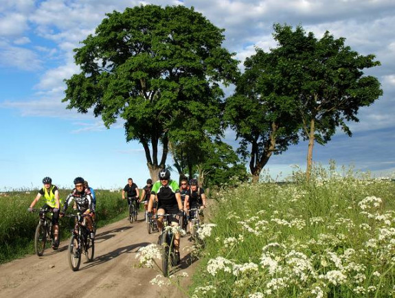 Migawki z rowerowej wycieczki w środku tygodnia po pracy, organizowanej przez Grupę Rowerową 3miasto.