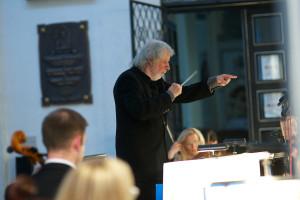 Podczas piątkowego koncertu w Katedrze Oliwskiej Orkiestrę Symfoniczą poprowadził Wojciech Michniewski.
