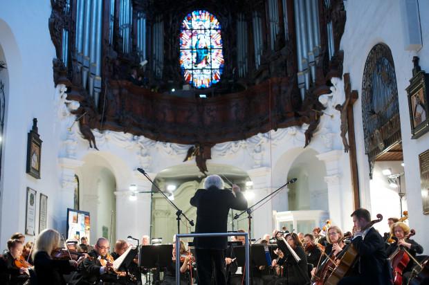 28 czerwca występem Romana Peruckiego z Orkiestrą PFB pod dyr. Wojciecha Michniewskiego rozpoczął się 56. Międzynarodowy Festiwal Muzyki Organowej w Oliwie. Koncerty festiwalowe będą odbywały się w każdy wtorek i piątek do 23 sierpnia.