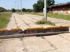 Zabarykadowany przejazd przez Wyspę Spichrzów, który do tej pory był alternatywą dla kierowców wobec zakorkowanej ul. Toruńskiej.