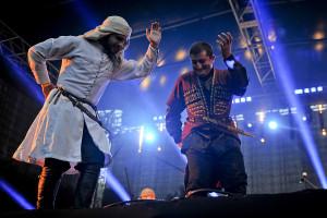 Tańczyli też Gruzini z Chveneburebi...