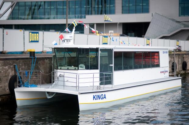 Jednostka przeznaczona jest przede wszystkim do żeglugi śródlądowej. Może zabrać na pokład maksymalnie 56 pasażerów.