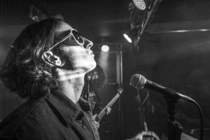 Jakub Leonowicz - wokalista Moose The Tramp, śpiewający także m.in. podczas koncertów Tribute to Pearl Jam i Foo Fighters.