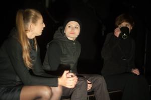 Bardzo dobrze grają wszystkie aktorki, chociaż role Justyny Bartoszewicz (w środku) i Magdaleny Boć (po lewej) są bardziej wyeksponowane.