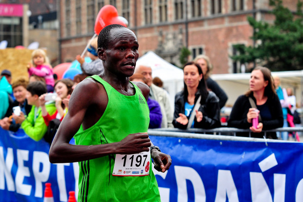 Po raz trzeci z rzędu Kenijczyk triumfował w Biegu Westerplatte. Na nowej trasie najlepszy był Henry Kemboi.