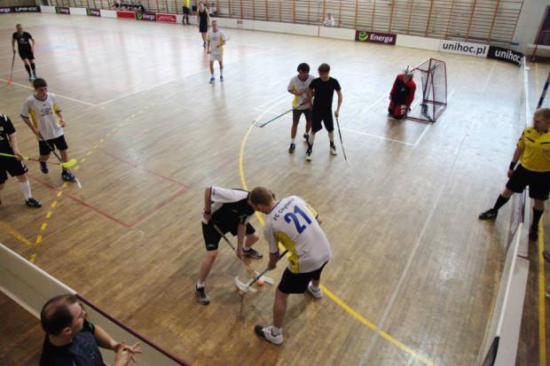W Pomorskiej Lidze Unihokeja udział bierze siedem drużyn zrzeszających ponad 100 zawodników.