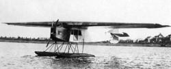 Fokker F3W - maszyny tego typu korzystały z wodnego portu lotniczego w Górkach Wschodnich.