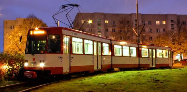Za 46 tramwajów Duewag N8C z Dortmundu Gdańsk zapłacił tylko ok. 1,4 mln euro. Dla porównania jedna dwukierunkowa Pesa Jazz Duo dla Gdańska kosztować będzie ok. 8,6 mln zł.