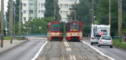 Zużyte torowisko tramwajowe na gdańskiej Przeróbce.
