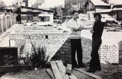 Budowa domu parafialnego.