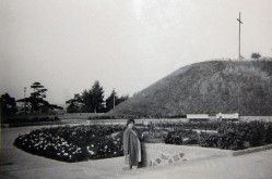 Wbrew obiegowym opiniom, w 1963 roku krzyż na Kamiennej Górze jeszcze stał. Ówczesne władze usunęły go dopiero później.