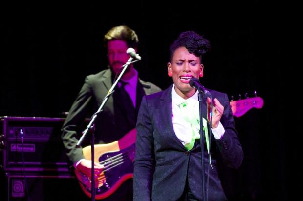 Podczas każdej piosenki Nkake dało się wyczuć niezwykłą swobodę i szczerość płynącą ze sceny.