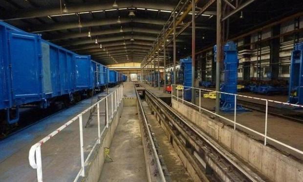 Związkowcy ostrzegają, że przejęcie hali na potrzeby Pendolino może pozbawić pracy ok. 100 pracowników warsztatów spółki Cargowag Gdynia Grabówek.