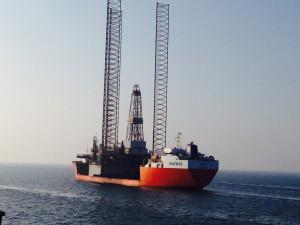 """Platforma, która będzie nosiła nazwę """"Lotos Petrobaltic"""" może prowadzić wiercenia na wodach o głębokości 350 ft. (105 m)."""