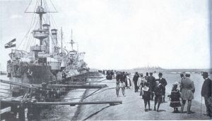 Flota cesarska przy nabrzeżach Westerplatte.