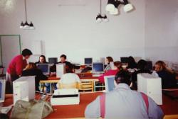 Tak w latach 90. wyglądała pracownia informatyczna.