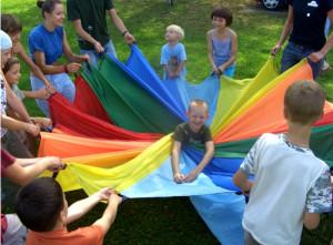 Zajęcia z technik cyrkowych łączą aktywność ruchową i artystyczne umiejętności