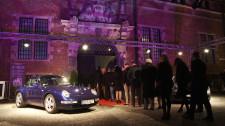 Tłumy zaproszonych gości witały nowe Porsche