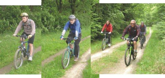 w drodze do Mechowa niebieskim szlakiem rowerowym przez Puszczę Darżlubską