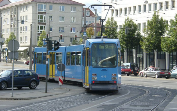 Za 14 takich tramwajów gdański ZKM zapłaci swojemu odpowiednikowi z niemieckiego Kassel ok. 2,5 mln zł.