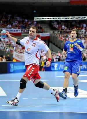 Bartosz Jurecki w Ergo Arenie walczył przeciwko Szwedom w eliminacjach mistrzostw Europy. W najbliższych dniach będzie mógł sprawdzić się w play-off do mistrzostw świata z Niemcami oraz w towarzyskim meczu z obrońcami tytułu - Hiszpanami.