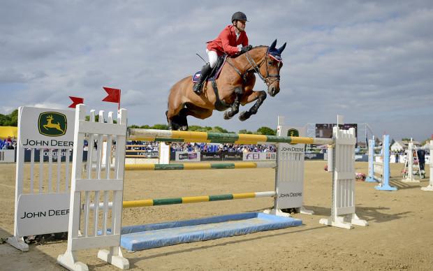 Jeźdźcy i konie z 14 państw zaprezentują się od czwartku do niedzieli na sopockim hipodromie. Na zdjęciu Ales Opatrny na Zidande P.
