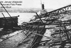 Nabrzeże Sląskie w porcie w Gdyni w 1945 r.