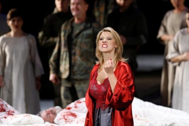 """""""Opera to jest coś takiego, co zaczyna się o godzinie 19. A gdy godzinę później patrzysz na zegarek, jest 19.15"""" - mówi dowcip. Ale to wcale nie jest żart. Tak właśnie jest!"""
