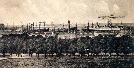 Widok na stocznię Schichaua w Gdańsku.