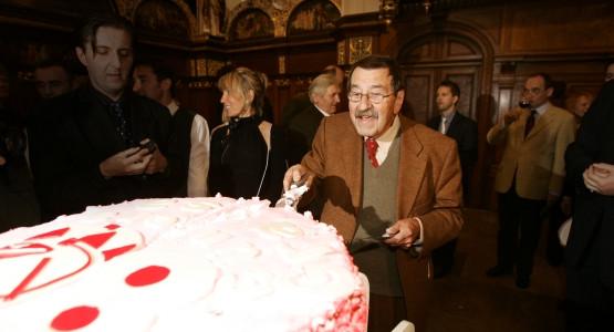 Günter Grass podczas obchodów swoich 80. urodzin w Dworze Artusa.