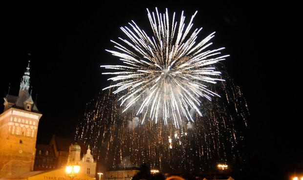 Podczas wieczornego koncertu z okazji otwarcia Jarmarku św. Dominika na Targu Węglowym pojawiło się kilkanaście tysięcy osób.