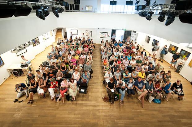 W ramach Literackiego Sopotu odbywają się nie tylko spotkania autorskie, ale i warsztaty, projekcje filmowe czy koncerty.