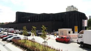 Teatr otwarty zostanie 19 września. Tego dnia odbędą się dwa otwarcia - jedno dla oficjeli, drugie dla mieszkańców. Aktualnie trwają prace wykończeniowe przestrzeni sceny i widowni. Termin oddania budynku nie jest zagrożony.