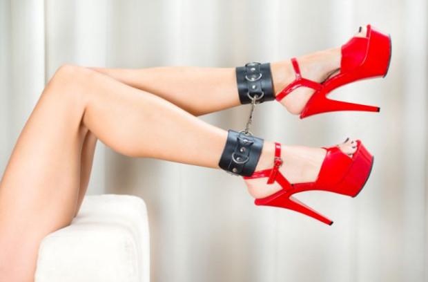 Fetyszem może stać się wszystko: zaczynając od bardziej typowych, jak np. określony rodzaj obuwia, czy bielizny, aż po nietypowe, np. konkretny model kurtki lub kubka.
