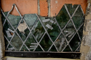 Unikatowe oszklenie okna z XV wieku.