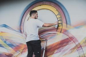 Artysta malował również na żywo podczas pierwszego tygodnia września, kiedy prezentowane były jego prace.