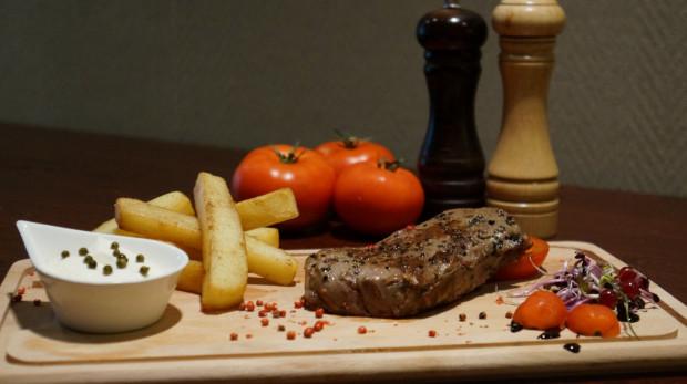 Do tej pory restauracja specjalizowała się w stekach.