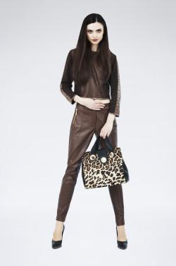 Grace Collection. Za skórzane spodnie zapłacimy około 850 zł.