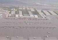 Budowa podberlińskiego lotniska BBI będzie kosztować 2,5 mld euro. 140 mln wydano na walkę z hałasem. Tyle samo kosztuje rozbudowa lotniska w Rębiechowie.