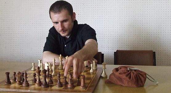 W tej grze trzeba umieć analizować ruchy przeciwnika i rozgryźć jego słabości.