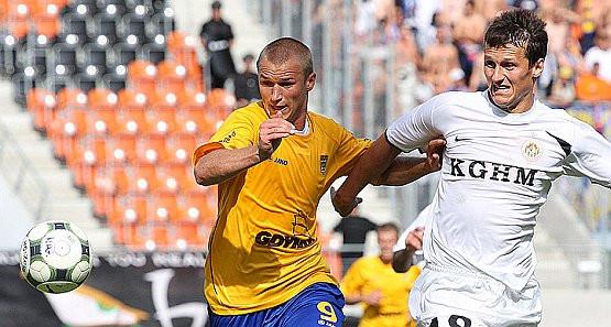 Przemysław Trytko rozegrał kapitalny mecz w Lubinie. Nie powstrzymał go nawet były kolega z Arki, Michał Łabędzki, który debiutował w Zagłębiu, choć jeszcze w środę trenował w Gdyni.