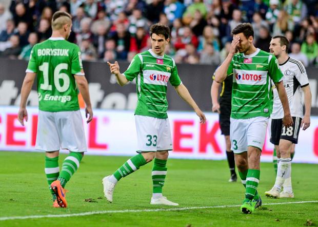 W sezonie 2013/14 najwyższą średnią not spośród piłkarzy Lechii przyznaliście Nikoli Lekoviciowi (nr 33). W minionych rozgrywkach najlepsze oceny otrzymywał Ariel Borysiuk (16), a wiosną Grzegorz Wojtkowiak (23) i Gerson.