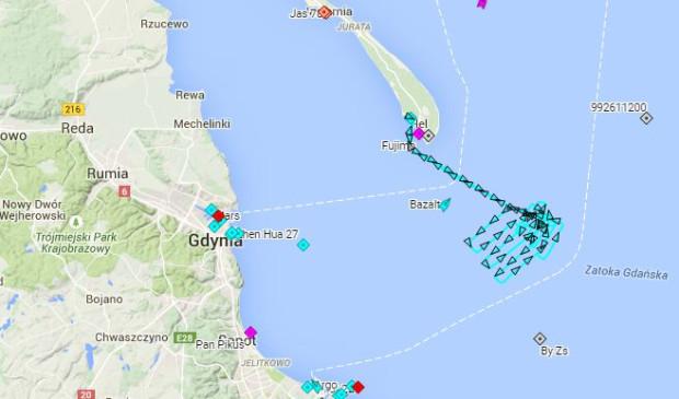 Trasa jednostki Sztor SAR w trakcie akcji poszukiwawczej prowadzonej na powierzchni.
