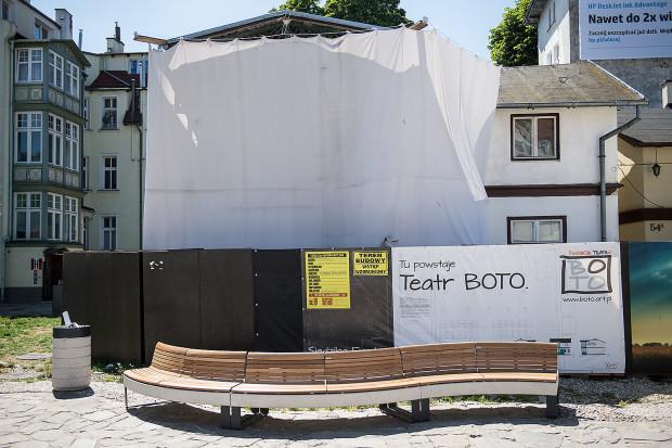 Teatr Boto działa w Sopocie od 2011 roku. Artyści skupieni wokół Adama Nalepy, dyrektora artystycznego, zajmują się głównie ambitnymi przedsięwzięciami teatralnymi, obarczonymi ryzykiem artystycznym.
